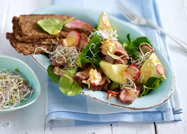 Avocado-Steaksalat mit Sprossen Rezept