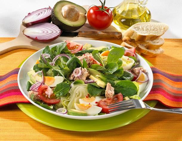 avocado thunfisch salat mit feldsalat rezept chefkoch rezepte auf kochen backen. Black Bedroom Furniture Sets. Home Design Ideas