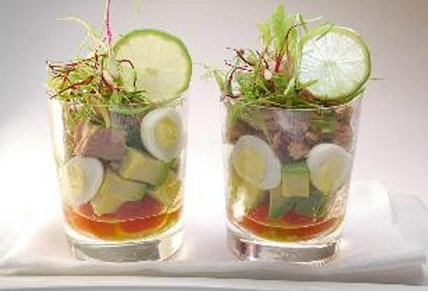 Avocadosalat mit Tomate und Thunfisch Rezept