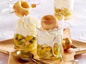 Babas auf exotischem Fruchtpüree und Sahne Rezept
