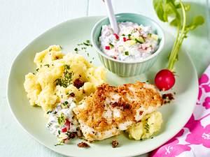 Backfisch mit leichter Remoulade und Buttermilch-Stampf Rezept