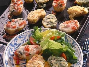 Backkartoffeln mit dreierlei Käsehaube Rezept