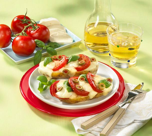 Backkartoffeln mit Tomate und Mozzarella Rezept