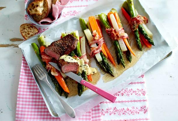 Bacon-Wrapped-Bundles zu Rumpsteak (Speck-Gemüse-Päckchen) Rezept
