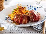 Baconfrikadellen mit Süßkartoffelpüree und Röstzwiebeln-F5589201