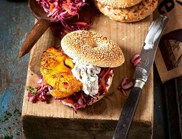 Bagelburger mit heißer Chili-Ananas Rezept