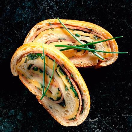 Baguettebrot gefüllt mit Schinken und Käse Rezept