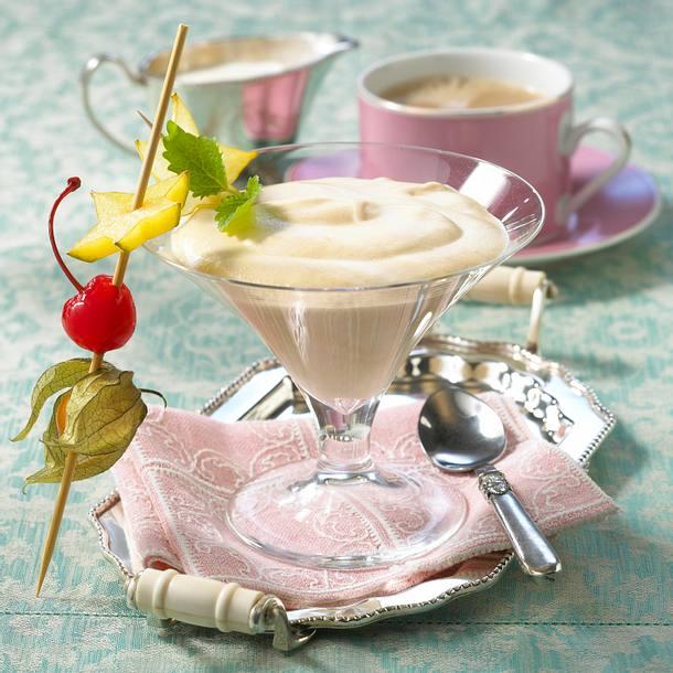 Baileys-Creme mit Obstspieß Rezept