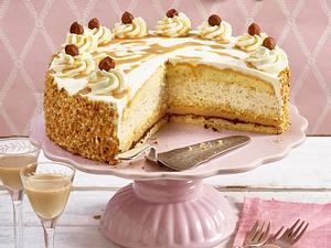 Baileys-Sahne-Torte mit Nüssen Rezept