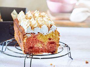 Baiserbesetzter Grenadine-Kuchen Rezept