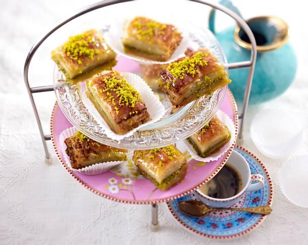 baklava mit pistazien rezept chefkoch rezepte auf kochen backen und schnelle gerichte. Black Bedroom Furniture Sets. Home Design Ideas