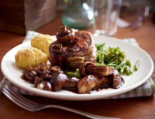 Balsamico-Pilze zu Rinderfiletmedaillons, Bohnen und schwedischen Kartoffeln Rezept