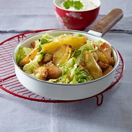 Bamberger Kartoffelpfanne mit Hähnchen und Spitzkohl Rezept
