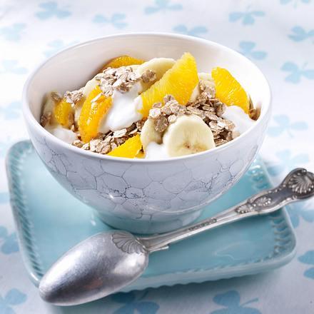 Bananen-Orangen-Müsli mit Weizenflocken Rezept