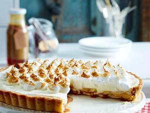 Bananen-Toffee-Tarte mit Baisertuffs Rezept