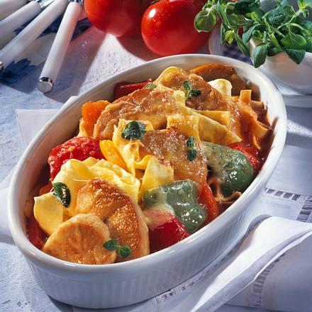 Bandnudeln in Tomaten-Paprikasoße Rezept