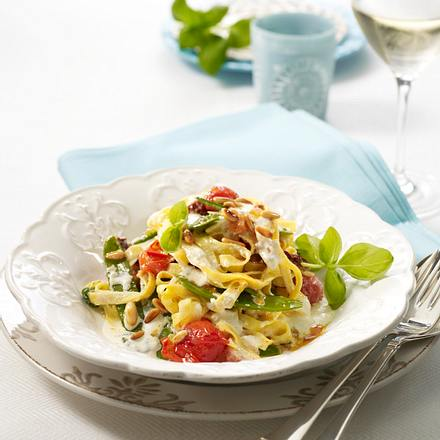 Bandnudeln in Tomaten-Ricotta-Soße Rezept