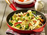 Bandnudeln mit cremiger Brokkoli-Speck-Soße Rezept