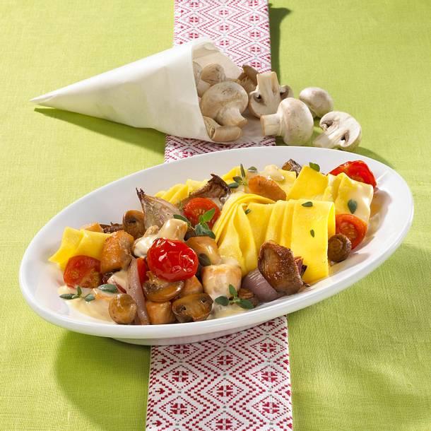 Bandnudeln mit Pilzen und Hähnchen Rezept