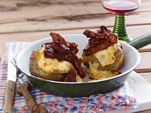 Barbecue-Schnitzelstreifen mit Baked Potatos und Käsecreme Rezept