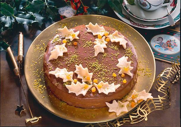 Baumkuchen mit Marzipanblättern Rezept