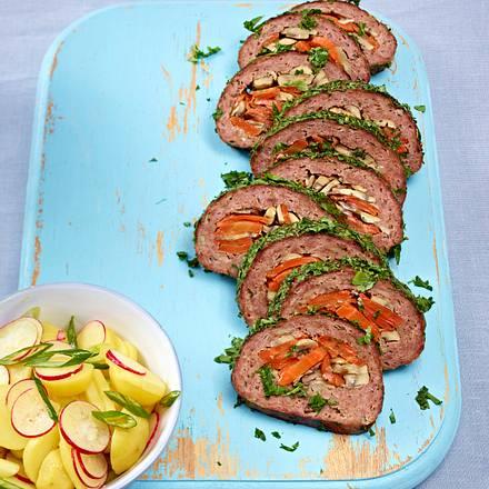 Beefsteak-Hackbraten mit Champignons, Karotten und Kräuter Rezept