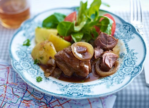 Berliner Bollenfleisch mit Petersilienkartoffeln Rezept