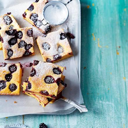 Berry-Polenta-Kuchen Rezept