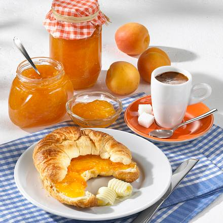 Beschwipste Aprikosen-Konfitüre Rezept