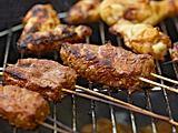 Best of Barbecue: Steakspieße in Biermarinade mit grüner Chilisoße Rezept