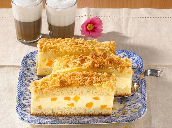 Bienenstich mit Aprikosen-Schmand-Füllung (Diabetiker) Rezept