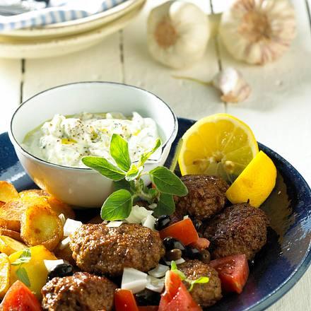 Bifteki mit kartoffel chips und tzaziki rezept chefkoch for Griechisch kochen
