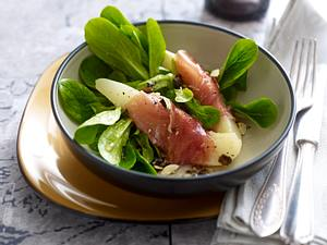 Birne in Parmaschinken auf Feldsalat Rezept