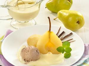 Birne in Weinschaum mit Schokoladeneis Rezept