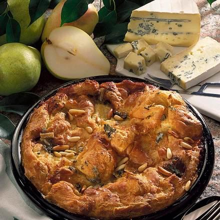 Birnen mit Käse-Brandteighaube Rezept