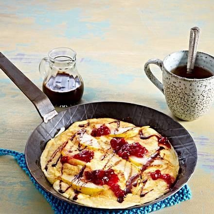 Birnen-Pfannkuchen mit Preiselbeeren und Schokosoße Rezept