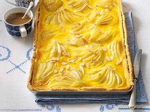 Birnen-Schmand-Kuchen mit Mandelboden Rezept