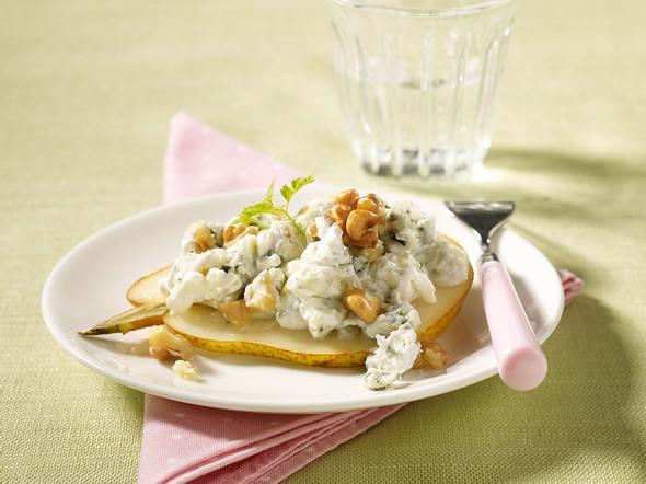 Birnenscheibe mit Roquefort-Quark und Walnüssen Rezept
