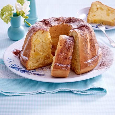 Biskuit-Gugelhupf mit Birne Rezept