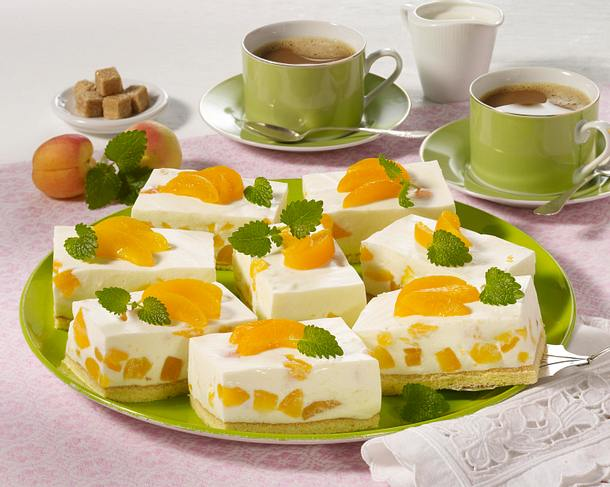 Biskuit-Joghurtschnitten mit Aprikosen Rezept