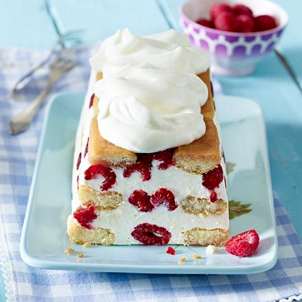 Biskuit-Kastenkuchen mit Mascarponecreme und Himbeeren Rezept
