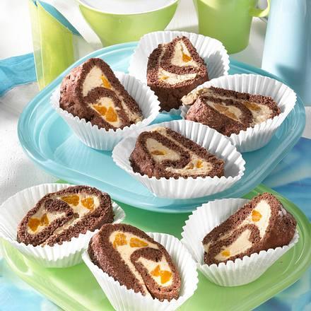 Biskuit-Rolle mit Karamell-Mandarinen-Creme Rezept
