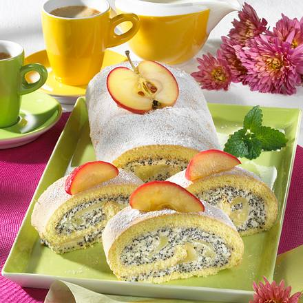 Biskuitrolle mit Mohnsahne und Äpfeln Rezept
