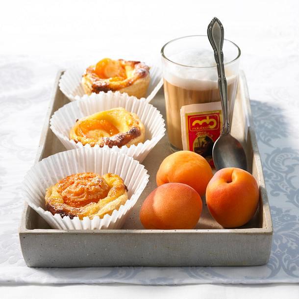 Blätterteig-Aprikosen-Törtchen Rezept