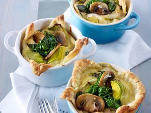 Blätterteig-Pastete mit Spinat, Pilzen und Ziegenkäse Rezept