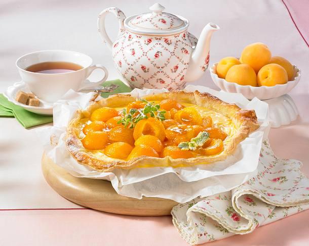 Blätterteig-Pudding-Tarte mit Aprikosen Rezept