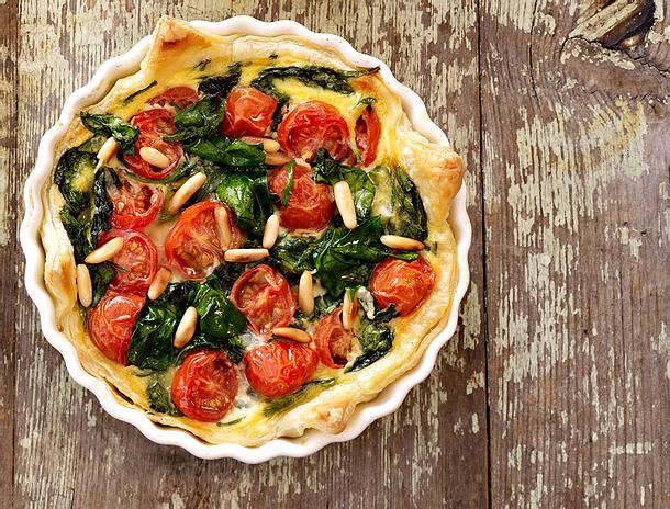 Blätterteig-Quiche mit Spinat & Tomaten Rezept