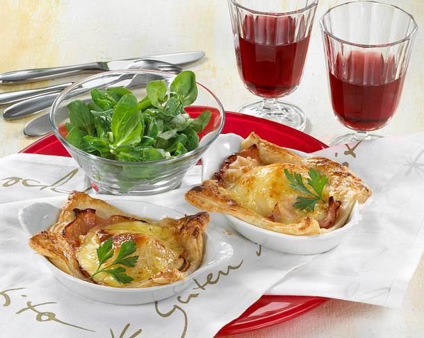 Blätterteig-Quiches mit Schinken, Birne und Raclette-Käse Rezept