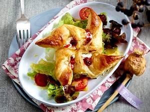 Blätterteig-Windmühlen im Salatbett Rezept