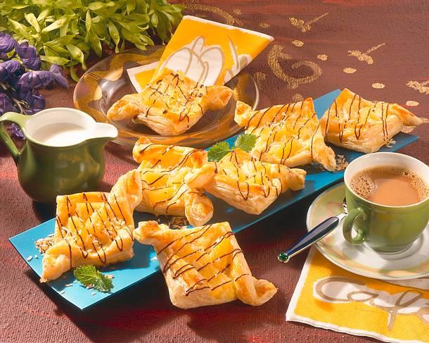 Blätterteiggebäck mit Ananas Rezept